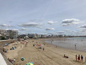 Les Sables d'Olonne - beach from the pier
