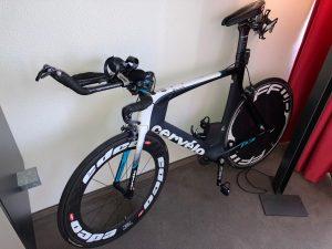Ironman 5150 Maastricht 2020 - Triathlon bike in hotel room