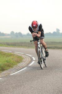 Ironman 70.3 West-Friesland - deep in aero position